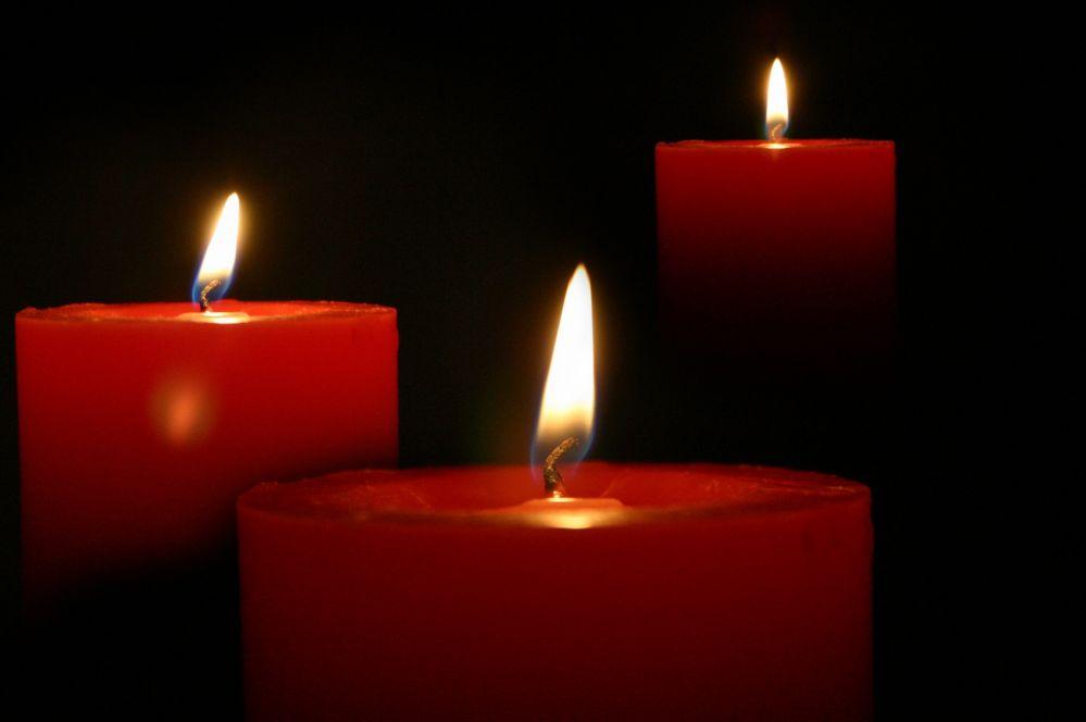 candle-3232510.jpg