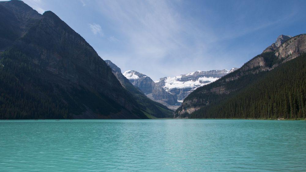 lake-louise-3694488_1920.jpg